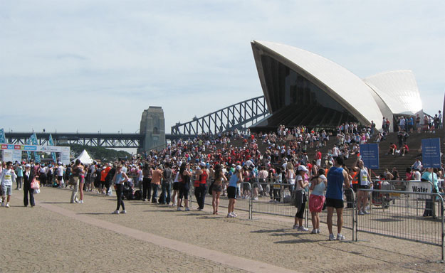 Sydney Harbour Bridge Run by Sarah Stewart/ CC BY