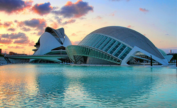 L'Hemisferic, Valencia, Spain  by O Palsson/ CC BY