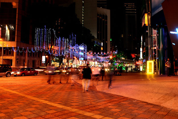Market at Bukit Bintang  by Phalinn Ooi/ CC BY