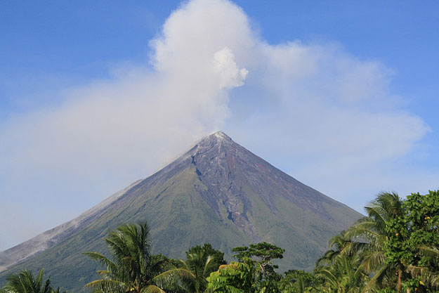 Mayon volcano by denvie balidoy/ CC BY
