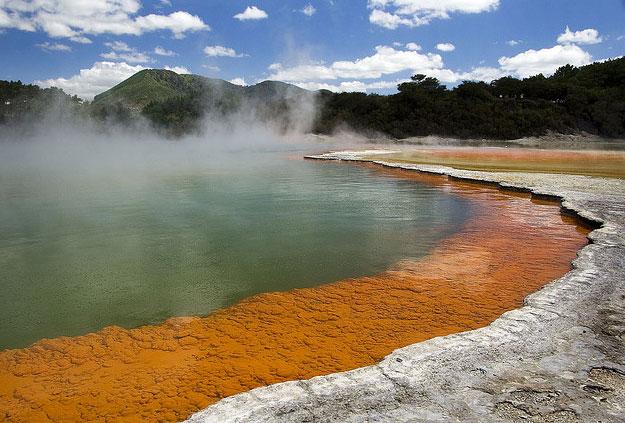 Rotorua  by matthew Hunt/ CC BY
