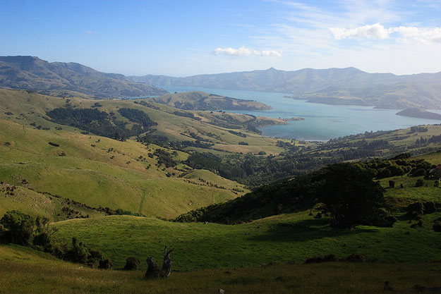 Akaroa & Banks Peninsula by Phillip Capper/ CC BY