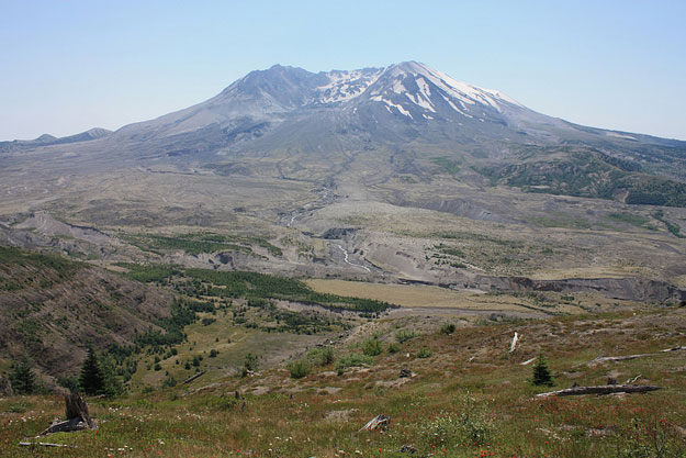 Mount St. Helens by Ray Bouknight/ CC BY