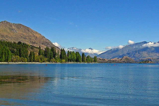 Lake Wanaka  by Mr Thinktank/ CC BY
