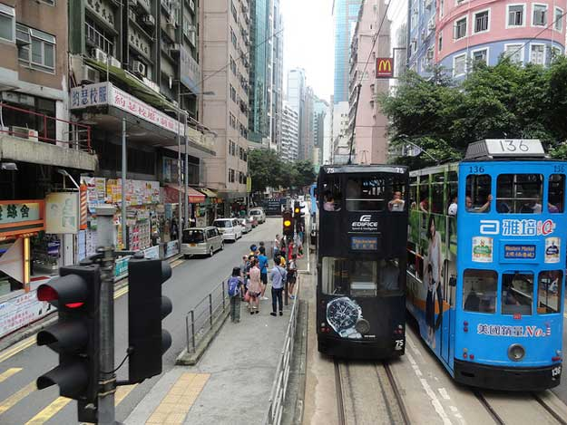 Hong Kong Tramways by Fabio Achilli/ CC BY
