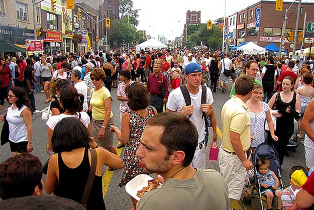 Taste of the Danforth  by torontocitylife/ CC BY