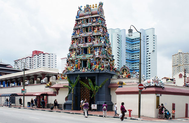 The Sri Mariamman Temple by alantankenghoe/ CC BY