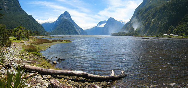 Milford Sound by Joan Campderrós-i-Canas / CC BY
